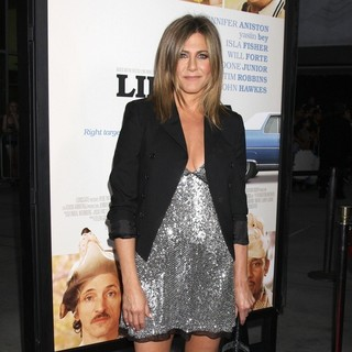 Jennifer Aniston in Premiere of Life of Crime - jennifer-aniston-premiere-of-life-of-crime-02