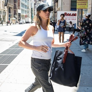 Jennifer Aniston Went Shopping in SoHo