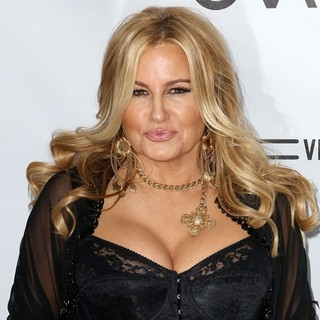 Jennifer Coolidge in amfAR 3rd Annual Inspiration Gala - jennifer-coolidge-amfar-3rd-annual-inspiration-gala-01