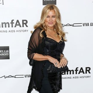 Jennifer Coolidge in amfAR 3rd Annual Inspiration Gala - jennifer-coolidge-amfar-3rd-annual-inspiration-gala-04