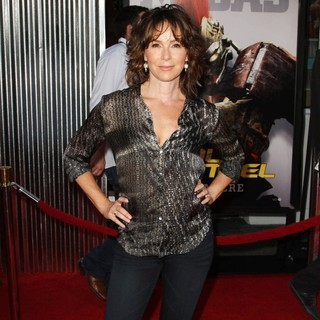 Jennifer Grey in Los Angeles Premiere of Real Steel