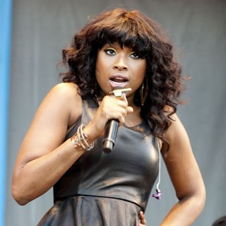 Jennifer Hudson in Jennifer Hudson Performs at Taste of Chicago 2012