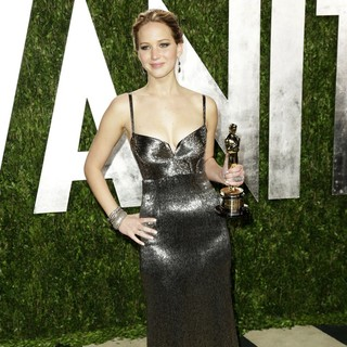 Jennifer Lawrence in 2013 Vanity Fair Oscar Party - Arrivals