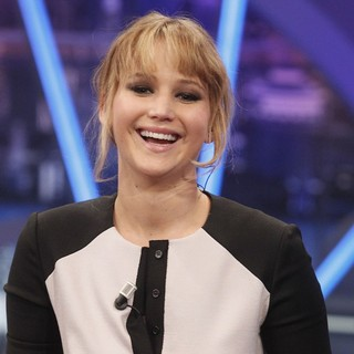 Jennifer Lawrence in Jennifer Lawrence Appears on The El Hormiguero Spanish TV Show