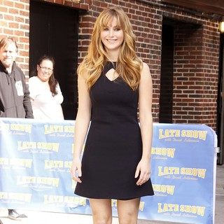 Jennifer Lawrence in Celebrities Arrive for The Late Show with David Letterman
