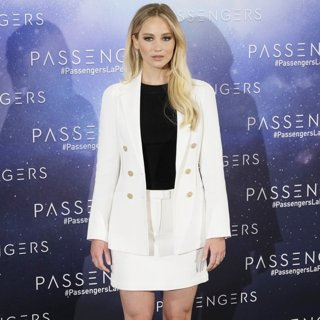 Jennifer Lawrence-Passengers Madrid Photocall