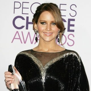 Jennifer Lawrence in People's Choice Awards 2013 - Press Room