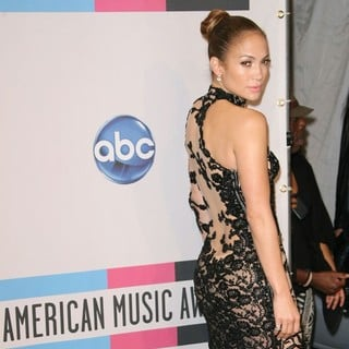 Jennifer Lopez in 2011 American Music Awards - Press Room
