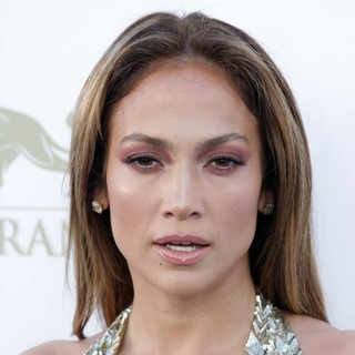 Jennifer Lopez in 2013 Billboard Music Awards - Arrivals