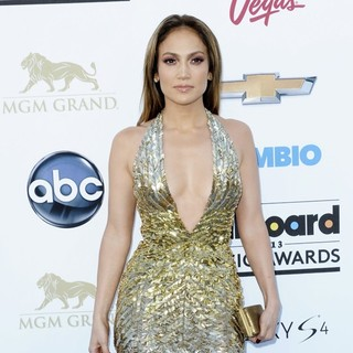 Jennifer Lopez in 2013 Billboard Music Awards - Arrivals - jennifer-lopez-2013-billboard-music-awards-08