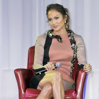 Jennifer Lopez in Wisin and Yandel, Jennifer Lopez and Enrique Iglesisas Announce Their Summer Tour