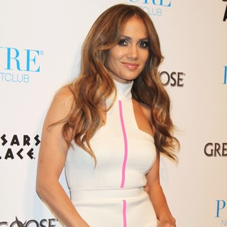 Jennifer Lopez in Jennifer Lopez Makes A Special Appearance at Pure Nightclub