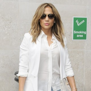 Jennifer Lopez in Jennifer Lopez Arrives at BBC Radio 1 to Appear on The Scott Mills Show
