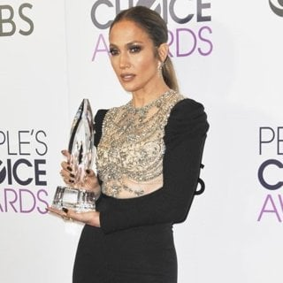 Jennifer Lopez-People's Choice Awards 2017 - Press Room