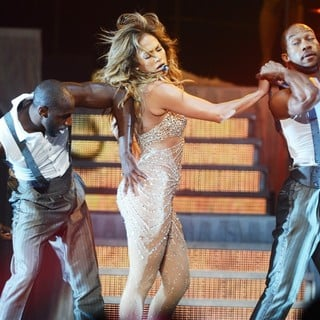 Jennifer Lopez in Jennifer Lopez Performs Live