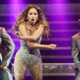 Jennifer lopez picture 623 jennifer lopez performs live Where does jennifer lopez live