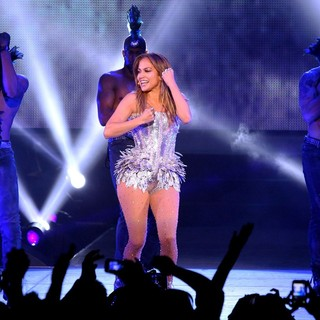 Jennifer Lopez in Q Viva Show