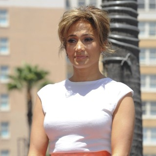 Jennifer Lopez in Jennifer Lopez Is Honoured with The 2,500th Star on The Hollywood Walk of Fame
