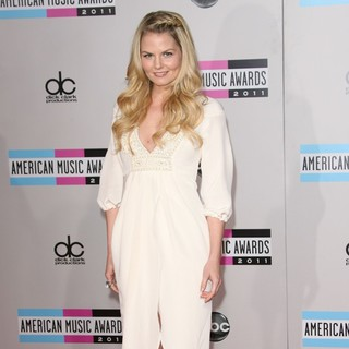 Jennifer Morrison in 2011 American Music Awards - Arrivals
