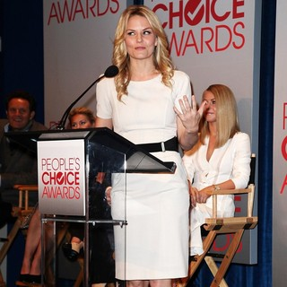 Mark Burnett, Jennifer Morrison, Julianne Hough in People's Choice Awards 2012 Nominations Press Conference
