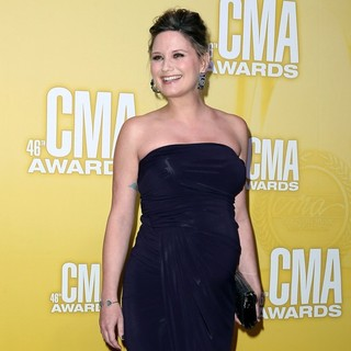 Jennifer Nettles, Sugarland in 46th Annual CMA Awards