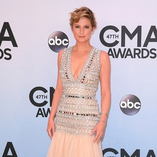 Jennifer Nettles, Sugarland in 47th Annual CMA Awards - Red Carpet