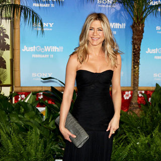 Jennifer Aniston - Premiere of 'Just Go with It' - Arrivals