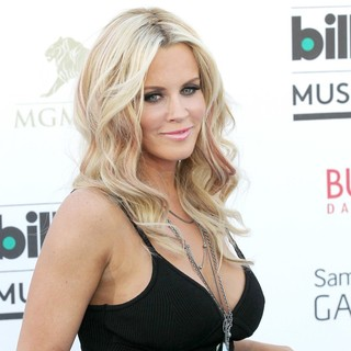Jenny McCarthy in 2013 Billboard Music Awards - Arrivals