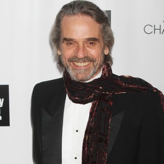 Jeremy Irons in 40th Anniversary Chaplin Award Gala Honoring Barbra Streisand - jeremy-irons-40th-anniversary-chaplin-award-gala-01