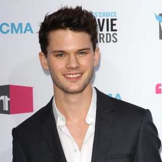 Jeremy Irvine in 17th Annual Critic's Choice Movie Awards - Arrivals