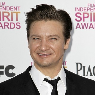 Jeremy Renner in 2013 Film Independent Spirit Awards - Arrivals