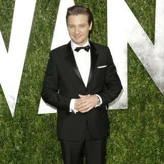 Jeremy Renner in 2013 Vanity Fair Oscar Party - Arrivals