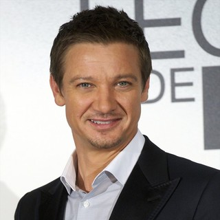 Jeremy Renner in The Bourne Legacy Photocall