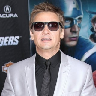 Jeremy Renner in World Premiere of The Avengers - Arrivals