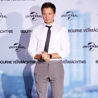 Jeremy Renner in Promoting The Bourne Legacy at A Photocall