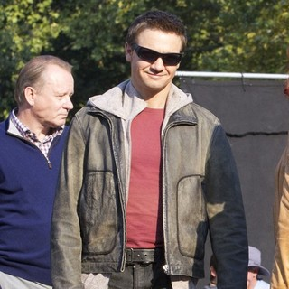 Jeremy Renner in Actors on The Set of The Avengers Shooting on Location in Manhattan