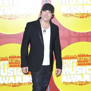 Jerrod Niemann in 2011 CMT Music Awards - jerrod-nieman-2011-cmt-music-awards-01