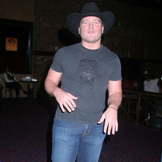Jerrod Niemann in Jerrod Niemann Performs Live in Concert