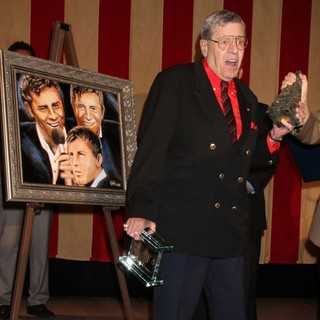 Jerry Lewis Is Awarded The Nevada Broadcasters Association Livetime Achievement Award - jerry-lewis-livetime-achievement-award-07