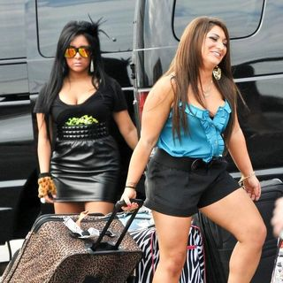 Snooki, Deena Nicole in The Cast of Jersey Shore Returns to Seaside Heights After Filming in Florence, Italy