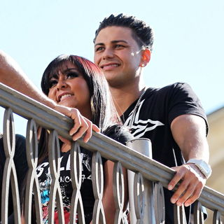 Snooki, DJ Pauly D in The Cast of MTV's 'Jersey Shore' Are Interviewed by Mario Lopez for The Television Show 'Extra'