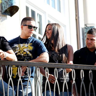 DJ Pauly D, Vinny Guadagnino, Ronnie Ortiz-Magro, Sammi Giancola in The Cast of MTV's 'Jersey Shore' Are Interviewed by Mario Lopez for The Television Show 'Extra'