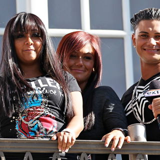 Snooki, JWoww, DJ Pauly D in The Cast of MTV's 'Jersey Shore' Are Interviewed by Mario Lopez for The Television Show 'Extra'