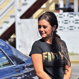 JWoww in The 'Jersey Shore' Cast Load Their Cars and Say Goodbye for The Summer