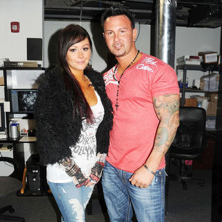 JWoww, Roger Matthews in Jersey Shore Celebrates Season 3 Finale