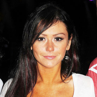 JWoww in Jersey Shore Celebrates Season 3 Finale