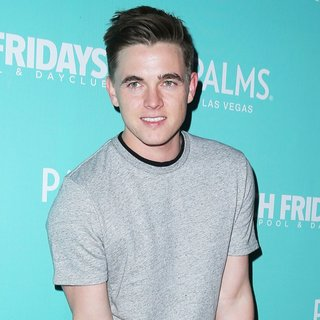 Jesse McCartney in Palms Pool and Dayclub Presents Ditch Fridays - Arrivals