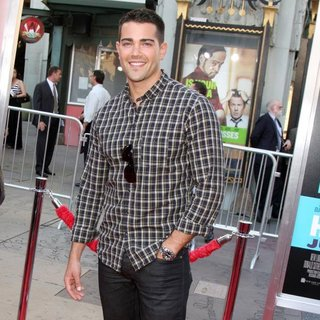 Jesse Metcalfe in The Los Angeles Premiere of Horrible Bosses - Arrivals