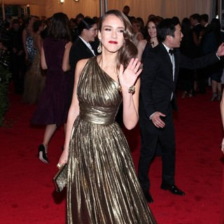 Jessica Alba in Schiaparelli and Prada Impossible Conversations Costume Institute Gala