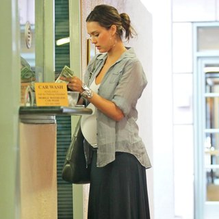 Jessica Alba in Jessica Alba Is Seen Out While Getting Her Nails Done in Beverly Hills